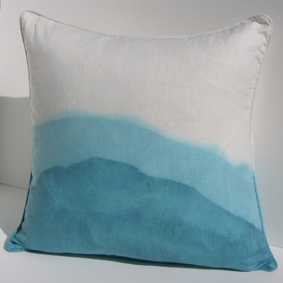 Love this blue ombré pillow