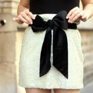bow on a skirt! <3 <3 <3