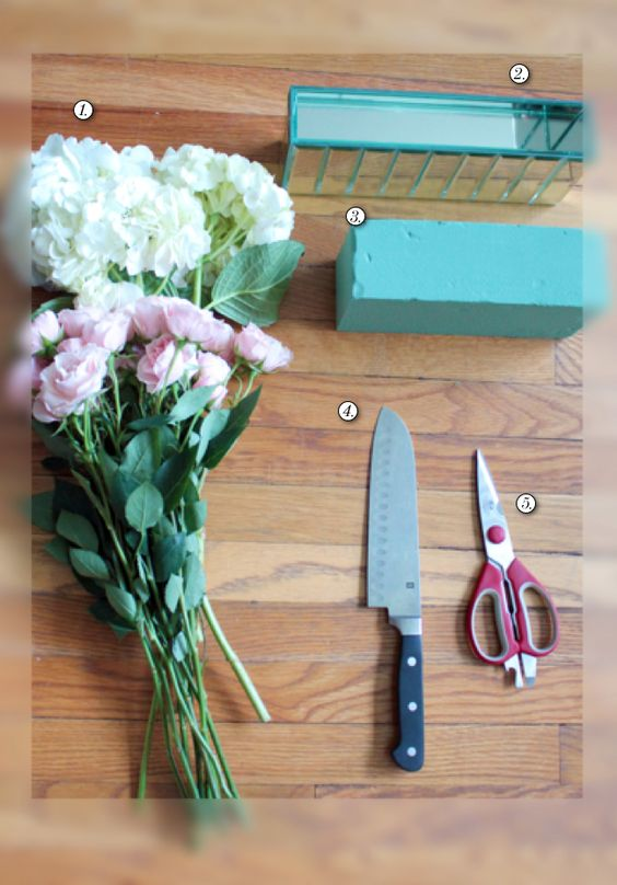 How to create your own diy flower arrangement here s what for Create your own flower arrangement