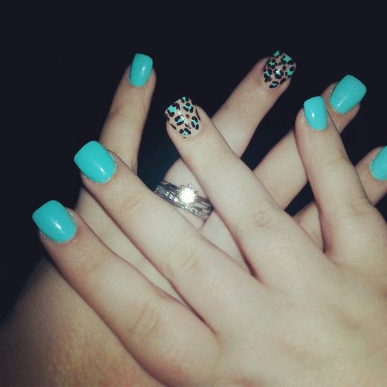 Teal Cheetah Print Nails