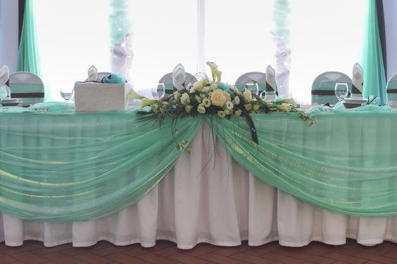 ¿Qué te parece un poco de #color en tu #boda? ¿Lo harías? #BodasHH #MarzoDeBodas