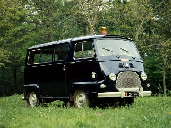 Renault estafette gendarmerie 3 ou 4 roues voiture for Gendarmerie interieur
