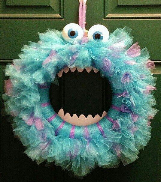 Adornos para Halloween: Corona festiva de Monsters Inc | Ideas para Decoracion