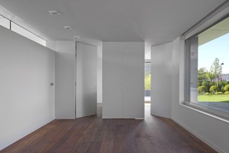 Resultado de imagen de puerta bisagra oculta
