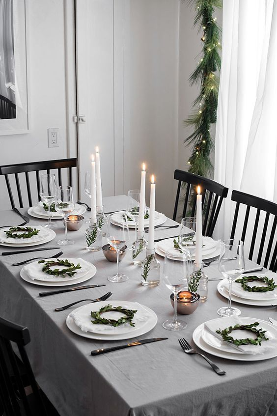 20 Christmas Table Decorations Settings Simple And Elegant Diy Ideas Holiday Table Decorations Christmas Party Table Christmas Table