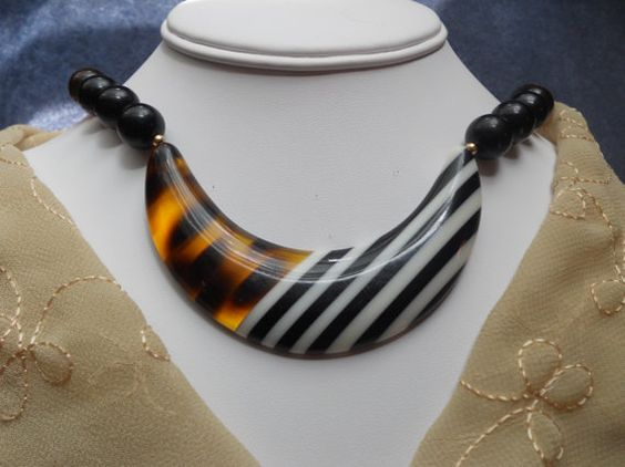 Lucite Vintage Necklace Patterns of Animals by AprilSnowJewelry, $18.00