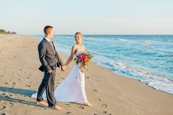 Captiva_Island_Wedding_Tween_Waters_Inn_Florida_Destination_Photographer_Beach_Sarah_Mark-58.jpg