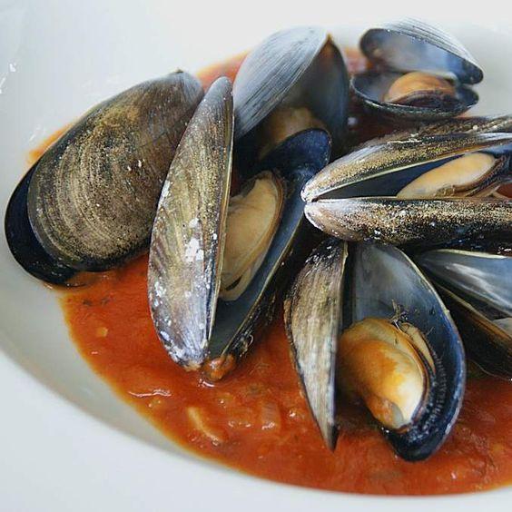 Rezept Miesmuscheln in Tomaten Weißweinsoße von dolcebella - Rezept der Kategorie Hauptgerichte mit Fisch & Meeresfrüchten