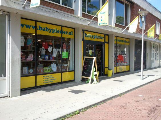 Bij babyspeciaalzaak Babypleizer in Eindhoven hebben ze een groot en ruim assortiment. Tevens krijg je er goed en vakkundig advies. Babyplezier is natuurlijk te vinden op internet.