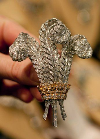 Given by the Duke of Windsor to his Duchess; bought by Elizabeth Taylor at auction in 1987.