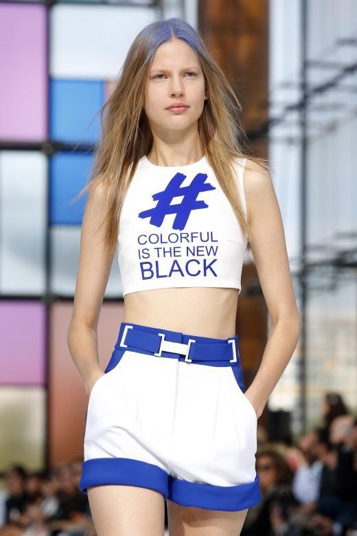 #Colourfulisthenewblack - dieser Hashatg soll die farbenfrohe Designdevise des Labels widerspiegeln.