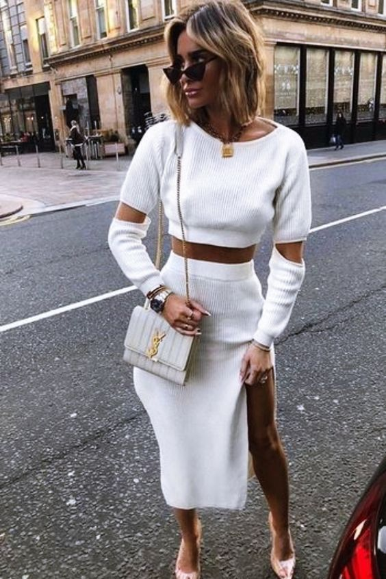 12 Important Fashion Tips for Hourglass Shaped Women