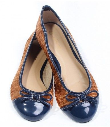 34 Casual Flat Shoes To Look Cool And Fashionable shoes womenshoes footwear shoestrends