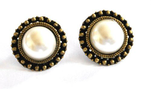 Boho vintage large faux pearl stud earrings white « Holiday Adds