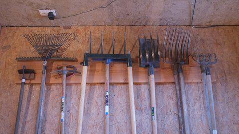comment fabriquer un rangement pour les outils de jardin comment. Black Bedroom Furniture Sets. Home Design Ideas