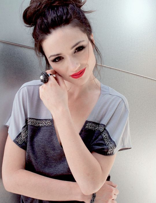 Crystal Reed. What a beauty.