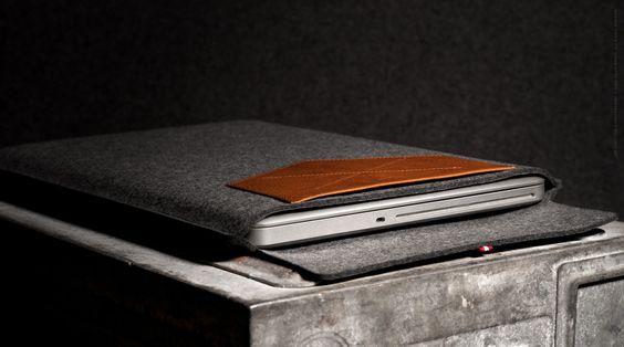X Pocket MacBook Sleeve / Heritage 13 inch Macbook Pro Retina