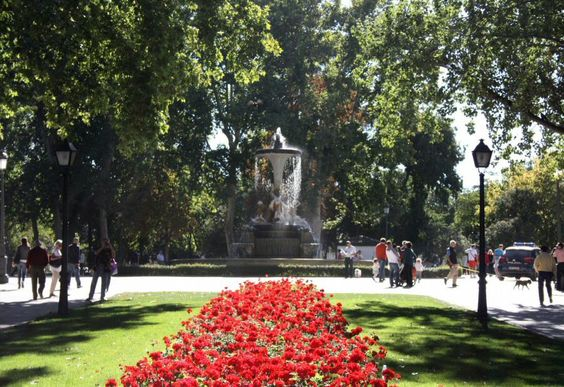 Paseo del Parque del Retiro de Madrid