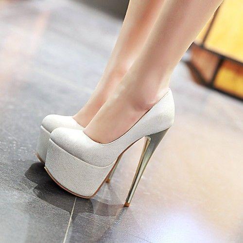 imagens de sapatos altos brancos