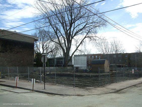 Vanishing Montreal: Former famous depanneur and corniche - Saint-Henri...