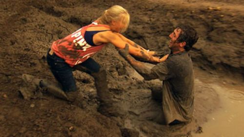 MUDD FIGHT...who says girls are high maintenance?... this looks like a perfect date night to me!!!!