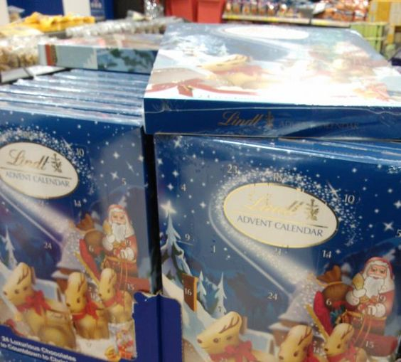 Lindt advent calendar #packaging #xmaspackaging