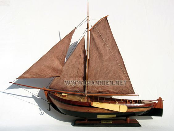 Shipyard Baasrode – The last Baasrode boat was built in 1900 – Replicas are currently being made after discussion from both old and young boat builders from Belgium & Holland. The Rosalie originally was used for eel fishing, the replica when built will be used for trips for the musuem visitors. (source Boat Building Org.)