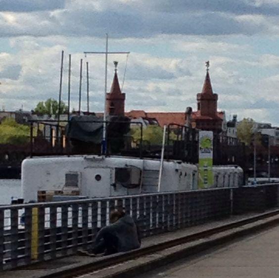 Hausboot der Serie Berlin Tag und Nacht
