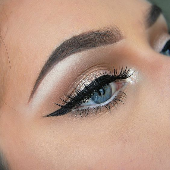 White eyeliner to brow bone