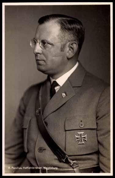 Reichsarbeitsminister (Reichminister for Labour) und SA-Obergruppenführer, Franz Seldte