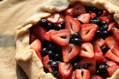 Yummm, galette. This reminds me of Little Red Riding Hood--the original version with un pot de burre.
