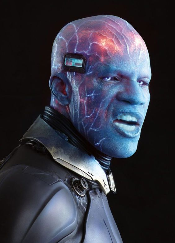 Official stills from The Amazing Spider-Man 2 show off more Electro, more Spidey, and Gwen! - Movie News | JoBlo.com