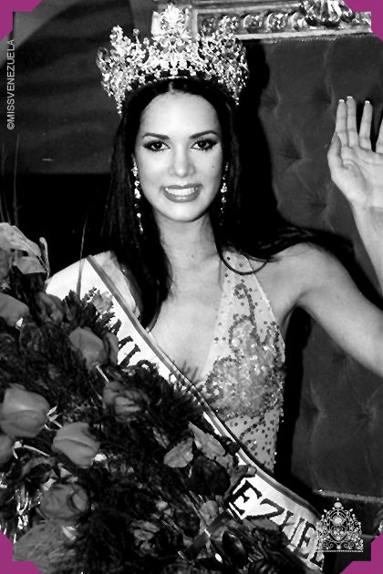 Mónica Spear. Miss Guárico 2004. MissMiss Venezuela 2004  Se corona como Miss Venezuela en el Poliedro de Caracas el 23 de septiembre de 2004