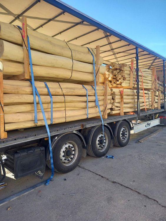 Kamion tételű kalodás akác rúdfa megrendelés.