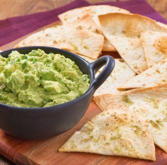 Essayez cette délicieuse recette de Croustilles tortillas maison avec guacamole aux chipotles dès aujourd'hui !