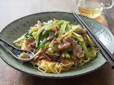 豚肉と小松菜のあんかけ焼きそばレシピ 講師は栗原 はるみさん|使える料理レシピ集 みんなのきょうの料理 NHKエデュケーショナル