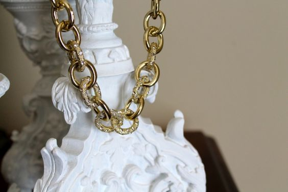 LAST DAY FOR THIS GIVEAWAY!! www.SecretiveStyle.com #giveaway @Poshlocket