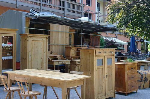 Trödel - und Antikmärkte in München - Antiquitäten und antike Möbel kaufen und verkaufen im Waldgasthof Buchenhain bei den Kunst- und Antikmärkten von April bis Oktober im Biergarten an der Isar.