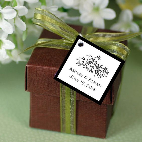 Damask Swirl Favor Tags  Price by creatingapapermemory on Etsy, How cute are these?