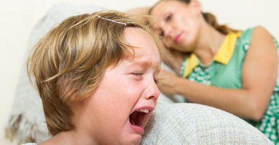 10 coisas que você nunca deve dizer a uma mãe com o filho aos berros
