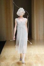Natalie Capell presenta su colección Viento en 080 Barcelona Fashion - Ediciones Sibila (Prensapiel, PuntoModa y Textil y Moda)