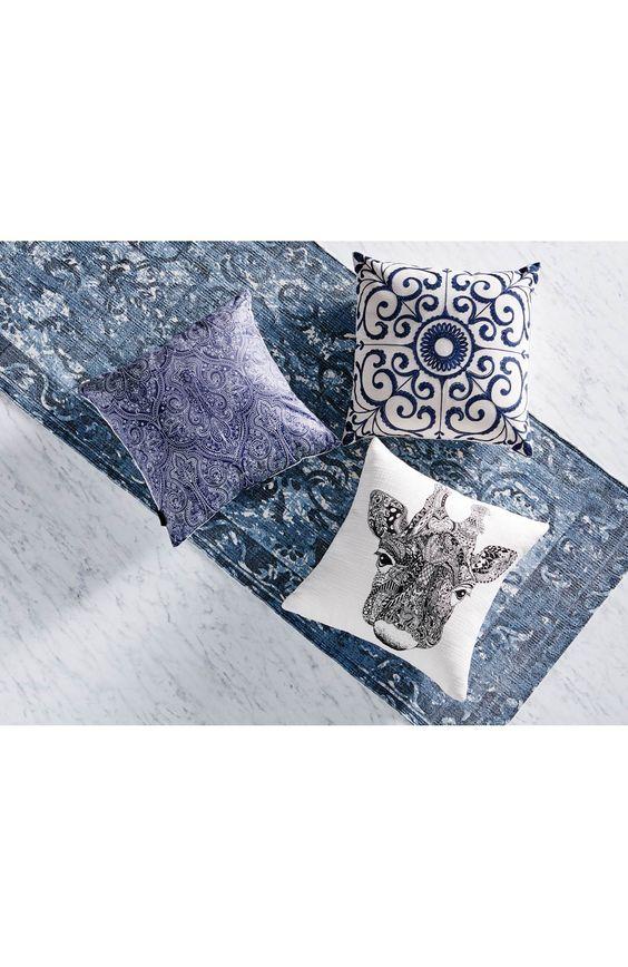 Poszewka na poduszkę marki Redlunds, 59 zł na http://www.halens.pl/dom-tekstylia-domowe-poduszki-dekoracyjne-poszewki-na-poduszke-29942/poszewka-na-poduszke-579374?imageId=425020&variantId=579374-0003