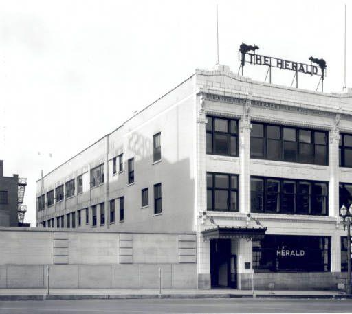 Grand Rapids Herald Building, 8 East Fulton - August 11, 1939
