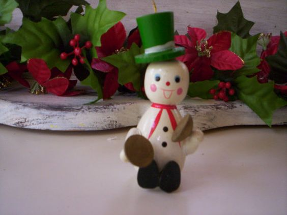 Wood figurine/Wooden figurine/Christmas by Elezuomixmedia on Etsy