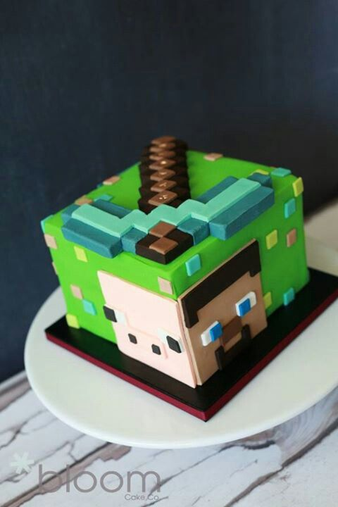 OMG minecraft cake I like totally want that: