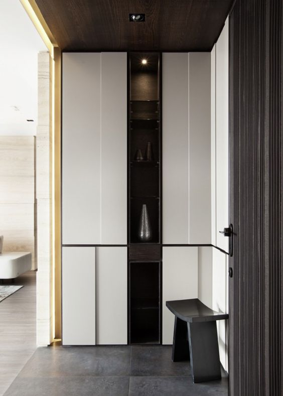 Foyer Design Trends : Asian interior design trends in two modern homes with