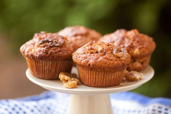 little cafeteria: Muffin Tuesday - Bananen Nuss Muffins