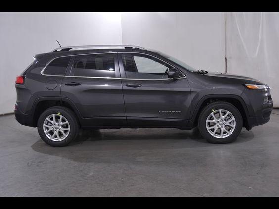2016 Jeep Cherokee Latitude FWD LEASE SPECIAL MASSILLON CANTON AKRON Progressive Chrysler