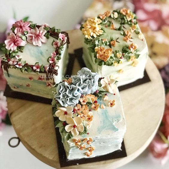 #cakes #cake #flowerlk #buttercreamcake #flowers #birthdaycake #cupcakes #cakeshop #bestcake #cakejakarta #kueulangtahun #kuejakarta…