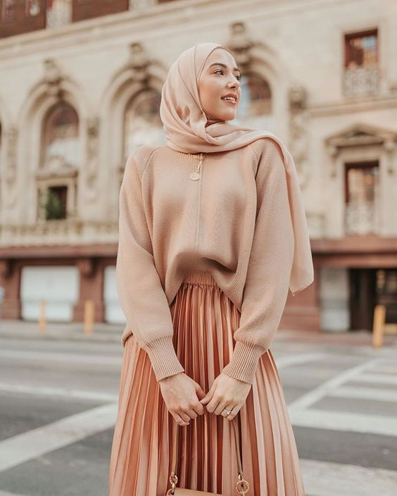 Fall modest fashion outfit ideas pleated brown skirt nude sweater nude color palette withloveleena Pinterest @khairahscorner
